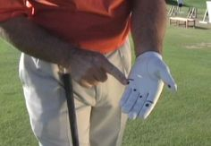 How to Grip Your Golf Club: Follow the Dots