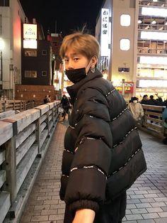 Korean Fashion Trends you can Steal – Designer Fashion Tips Park Hyung Sik, Korean Men, Korean Girl, Kwon Hyunbin, Korean Fashion Trends, Hyun Bin, Kpop, Ulzzang Boy, Asian Boys