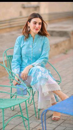 Pakistani Fashion Casual, Pakistani Dresses Casual, Indian Fashion Dresses, Pakistani Dress Design, Indian Designer Outfits, Muslim Fashion, Fancy Dress Design, Stylish Dress Designs, Designs For Dresses