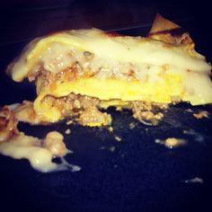 Lasanha de carne ...espectáculo na yammi Cheesesteak, Ethnic Recipes, Food, Meat Lasagna, Essen, Yemek, Eten, Meals