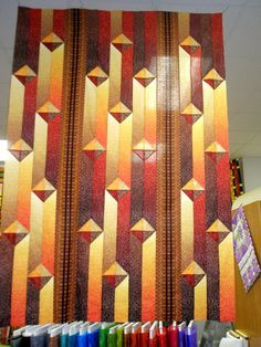 Gentlemen's Agreement - Ombre Quilt Looks like organ pipes.Do you think Thad would like this pattern for his new quilt? If I can find the ombre fabric. Colchas Quilting, 3d Quilts, Bargello Quilts, Jellyroll Quilts, Strip Quilts, Scrappy Quilts, Barn Quilts, Quilting Designs, 3 D