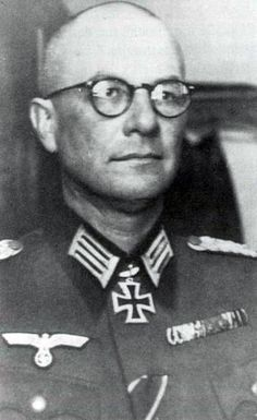 ✠ Hermann Kreß (23 July 1895 – 11 August 1943) RK 20.12.1941 Oberst Kdr Geb.Jäg.Rgt 99 1. Gebirgs-Division