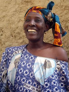 Mali, laughing woman in Tombouctou