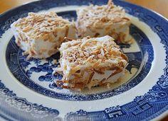 Kirsten's Kitchen: of vegan creations: Vegan Marshmallows with toasted coconut