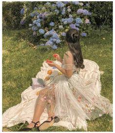 Classy Aesthetic, Nature Aesthetic, Aesthetic Girl, Disney Aesthetic, Old Dress, Images Esthétiques, Fairytale Dress, Princess Fairytale, Fairytale Fashion