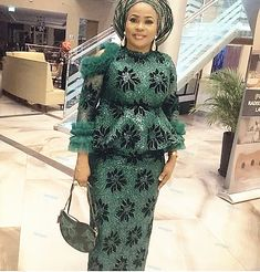 Lace Dress Styles, African Lace Dresses, Latest African Fashion Dresses, African Print Fashion, Women's Fashion Dresses, Nigerian Fashion, Ankara Fashion, African Prints, Fashion Styles