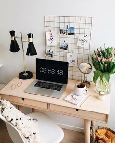 Veja aqui como montar o seu home office! #homeoffice #homeofficedecor #homeofficeapartamento Home Office Design, Home Office Decor, Home Decor, Office Ideas, Desk Ideas, Office Style, Study Room Decor, Bedroom Decor, Bedroom Ideas