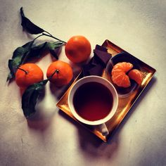 satsuma mandarins, bittersweet chocolate, and no.36 darjeeling 2nd flush; a touch of heaven on earth!  xoxo Bellocq Tea Atelier