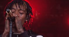 Wiz Khalifa (@wizkhalifa) Performing Live On Jimmy Kimmel [Video]- http://getmybuzzup.com/wp-content/uploads/2014/09/wiz-khalifa1.jpg- http://getmybuzzup.com/wiz-khalifa-jimmy-kimmel/- Wiz Khalifa Live On Jimmy Kimmel Rapper Wiz Khalifa dropped by The Jimmy Kimmel show. While there he treated the fans by performing the hit tracks 'We Dem Boyz' & 'Stayin' Out All Night'.Enjoy this videostream below after the jump. Follow me:Getmybuzzup o