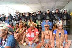 Resultado de imagem para enfrentamento da policia com os indios