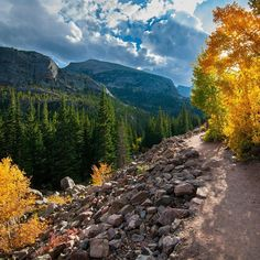 Rocky Mountain National Park, Colorado. The trail to Mills Lake.  #colorado #nature #rocky #millslake Reposted Via @earthroulette