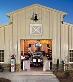 Convert Your Garage into a Man Cave - Man Cave Home Bar Garage Shed, Barn Garage, Man Cave Garage, Garage House, Garage Plans, Garage Workshop, Shed Plans, Dream Garage, Garage Ideas