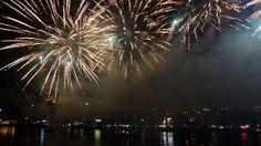 Fogo-de-artifício da noite de S. João (Porto, 2014) http://momentosemcapsulas.blogspot.pt/2014/06/ainda-em-modo-s-joao.html