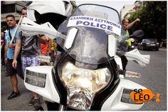 EPIRUS TV NEWS: (ΕΛΛΑΔΑ)Η απίστευτη συμπεριφορά αστυνομικού της ομ...