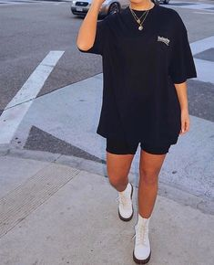 VSCO - vsco-outfit - Images Best Picture For yellow biker shorts outfit For Your Taste You are looki Chill Outfits, Mode Outfits, Short Outfits, Trendy Outfits, Fashion Outfits, Womens Fashion, Female Fashion, Grunge Outfits, Fashion Killa