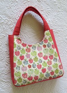 Geta's Quilting Studio: New Summer Tote Bags