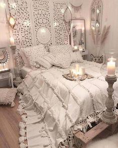 Bohemian bedroom decor and design ideas boho bedroom diy, bohemian style bedrooms Home Decor Bedroom, Chic Bedroom, Bedroom Decor, Boho Chic Bedroom, Bedroom Renovation, Bohemian Style Bedrooms, Home Bedroom, Remodel Bedroom, Home Decor
