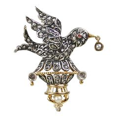 Victorian Bird Brooch with Rose Cut Diamonds Set in Silver-Topped Gold. Victorian bird brooch with rose cut diamonds, one split pearl and one round pearl. c 1860s