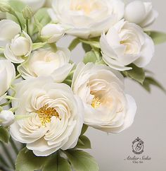 Wafer Paper Flowers, Fabric Flowers, Flower Crafts, Flower Art, Fondant Flower Tutorial, Cold Porcelain Flowers, Hand Flowers, Paper Bouquet, Polymer Clay Flowers