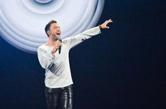 """Sweden's Måns Zelmerlöw wins Eurovision 2015 with """"Heroes"""" Pop Singers, Songs, Mens Tops, Congratulations, Freedom, Google Search, Life, Liberty"""