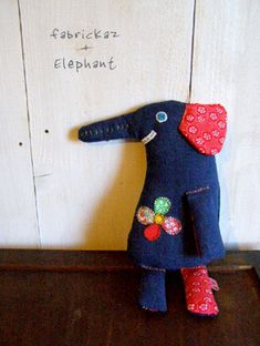 fun elephant 4 my kidos Sewing Toys, Sewing Crafts, Diy Craft Projects, Diy And Crafts, Fabric Animals, Soft Dolls, Felt Christmas, Fabric Dolls, Diy Toys