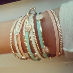 Love these Tory Burch bracelets for summer. Cute Jewelry, Jewelry Accessories, Fashion Accessories, Fashion Jewelry, Jewlery, Women's Jewelry, Pandora Jewelry, Body Jewelry, Fashion Fashion