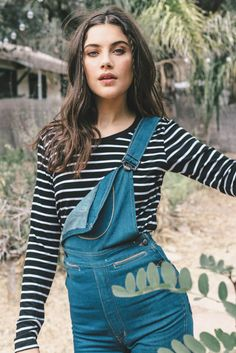A striped cropped tee is basically your wardrobe BFF Lovesick Blues, Anna Speckhart, Long Length Hair, Pictures Of Anna, Fall Lookbook, Jane Birkin, Stripes Fashion, Poses, Dark Hair