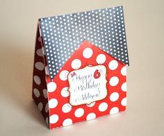 Minnie Mouse Tented Favor Box - looks almost like a bag