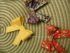 making bow with origami paper