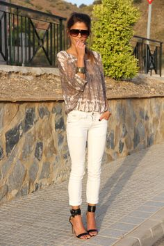 white jeans, love the top ...flats instead!