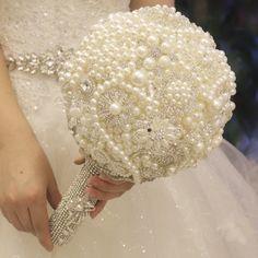 Günstige Weiße perle brautstrauß benutzerdefinierte kristall luxus hochzeit…