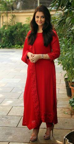 Aishwarya Rai Bachchan in red long churidar suit