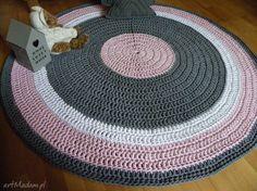 • unikatowe dywany, dom - ręcznie robiony okrągły dywan ze