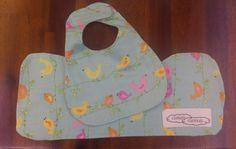 Burping cloth and bib - Flannelette and cotton, baby girl, pink birds Pink Bird, Burp Cloths, Cuddling, Lunch Box, Birds, Trending Outfits, Children, Handmade Gifts, Baby