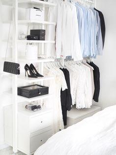 Our open closet - vaatesäilytysratkaiu makuuhuoneessa - TELJÄNNEITO Room Closet, Walk In Closet, Wardrobe Rack, Drawers, Ikea, Organization, Closets, Walking, Furniture