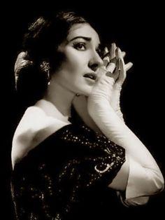Maria Callas. Por su talento y tragica vida.                                                                                                                                                     Más