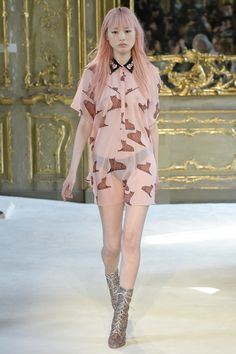 View the complete Giamba Spring 2017 collection from Milan Fashion Week.