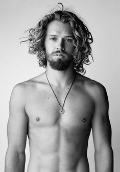 23 Herren lange lockige Frisuren Best Picture For thick Curly Hairstyles For Your Taste You are looking for something, and it is going to tell you exactly what you ar Long Curly Hair Men, Curly Hair Styles, Hair And Beard Styles, Wavy Hair, Fine Hair, Boy Hairstyles, Formal Hairstyles, Wedding Hairstyles, Haircuts For Men