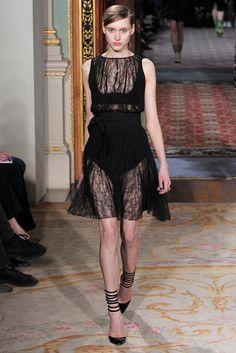 Antonio Berardi Fall 2011 Ready-to-Wear Fashion Show - Tabea Weyrauch