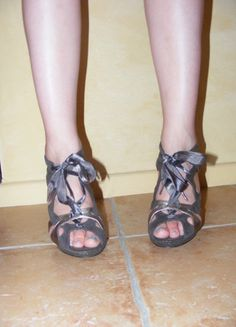 À vendre sur #vintedfrance ! http://www.vinted.fr/chaussures-femmes/escarpins-and-talons/9102454-chaussures-a-talon-violet-metallise