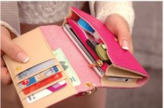 Love the practical size and colours of this wallet...might need a wallet update this christmas