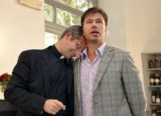 El novio del cura gay expulsado por el Vaticano es español