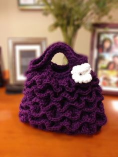 Crocodile Stitch Crochet Handbag made by Lu Crabtree