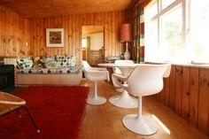 Looking good Miro Cottage! Retro style and comfort with beautiful views of Matahua Peninsula, Mapua Golden Bay.