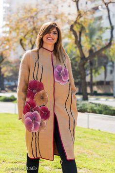 Fashion Spring Wool Coat Dressy Camel Silk Flower Decor Knee Length Woman Warm Elegant Long Jacket Loose Fit Oversized Light Wool Coat