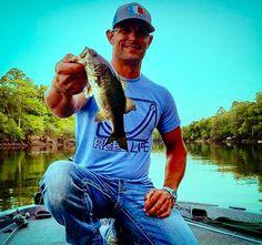 Reel Life Pro Staffer Jason Hunter doing a little midweek fishing! #reellife #letsgetreel #bassfishing #northflorida #jasonwaynehunter