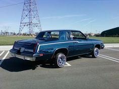 Cutlass lowrider ! My fav kinda car !!!!