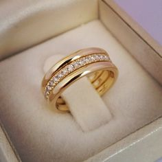 Wedding Rings Discover Eternity wedding band-Diamond wedding wedding bands-Three tone Yellow Gold Ring-Bridal sets-Triplet & Double rings-For her 3 Wedding Bands, Diamond Wedding Bands, Wedding Sets, Gold Ring Designs, Gold Jewellery Design, Jewellery Box, Jewellery Shops, Jewelry Stores, Tanishq Jewellery