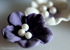 How to make blue / purple fantasy flowers with sugar pearls. Flowers from fondant / gum paste