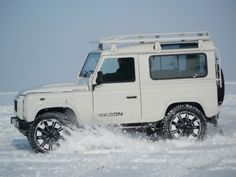 Land Rover Defender Snow LE http://www.defendericon.com/land-rover-defender-icon-editions/32/land-rover-defender-snow-le/